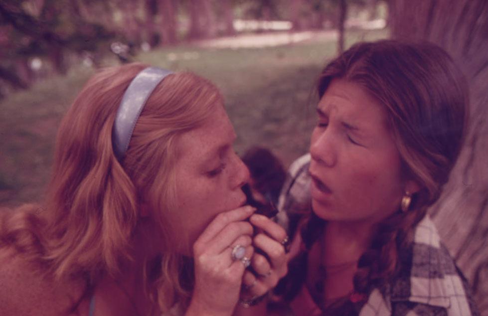 girls-smoking-weed-together